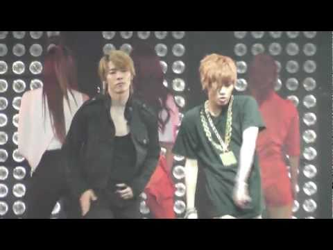 [11062011] SM TOWN LIVE in Paris - Dance Battle (Full)