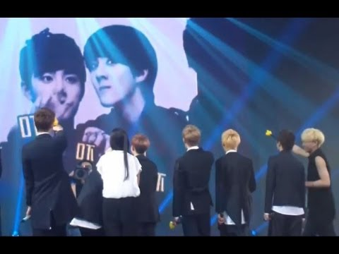 [HD Fancam] EXO watching their own VCR