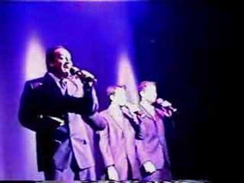 Acapella Group Lighthouse Singing Lion Sleeps Tonight