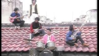 EYE - Izinkan Selamanya Namamu Dihati (Official Music Video)