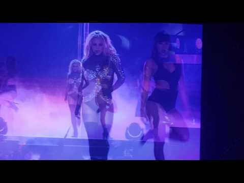 브리트니 스피어스 내한 Britney Spears Live In Seoul - I Slave 4 You + Make Me(플래쉬 이벤트 flash event)