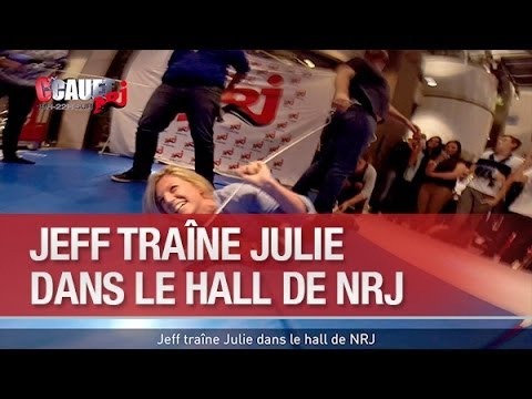 Baixar Jeff traîne Julie  dans le hall de NRJ - C'Cauet sur NRJ