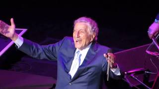 """TONY BENNETT Sings """"FLY ME TO THE MOON"""" Live at Radio City Music Hall (2019)"""
