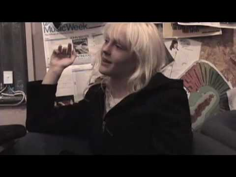 Laura Marling live & interview @ Pure Groove