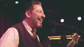 john-pizzarelli-trio-its-only-a-paper-moon.jpg