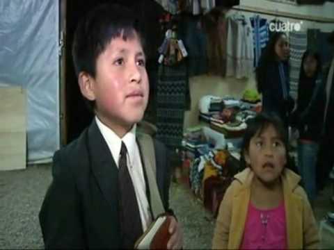 Niño Testigo de Jehová predicando a Periodista Española en Perú