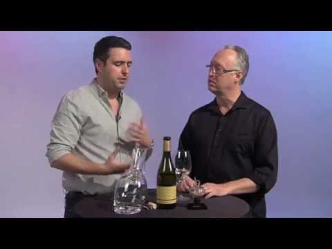 Aerating Wine vs Decanting Wine