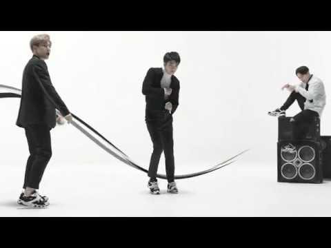 SKECHERS D'LITES 2 · EXO | Full Version