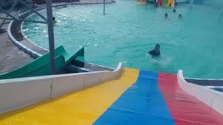 Hồ bơi phan rí