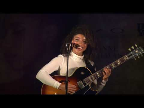 MO Bar UNPLUGGED Concert with Lianne La Havas