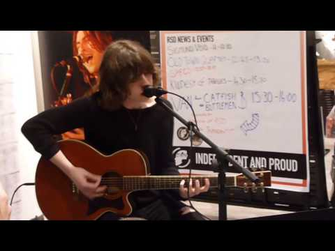 Catfish and the Bottlemen - Sidewinder (Live Acoustic at Head, Warrington - Record Store Day)