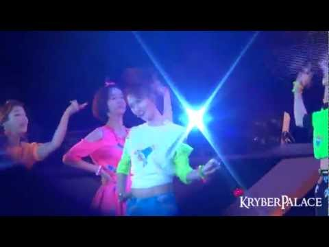 [Fancam] 121125 SMTOWN in Bangkok - f(x) Jet (Amber & Krystal focused)