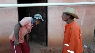 Seu Mané pede R$ 300,00  emprestado a seu Antônio.