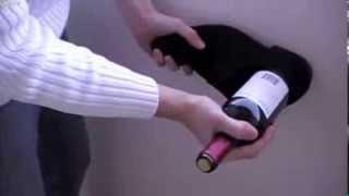 Как откупорить бутылку вина без штопора!