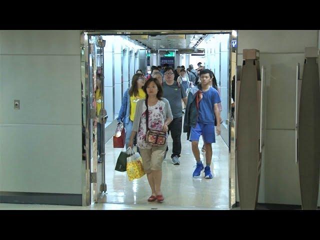 大阪震後滯日旅客昨晚返台