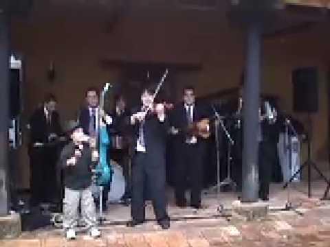 LA GALLINA BONCHONA - LOS HIJOS DE PIYUYO