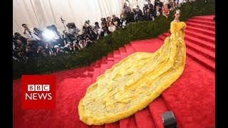 The woman behind Rihanna's yellow dress - BBC News