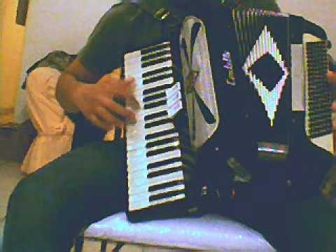 el moño colorado acordeon de teclas