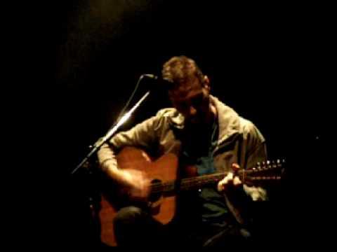 Pedro Aznar canta