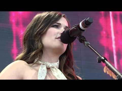 Kacey Musgraves - This Town (Live at Farm Aid 30)