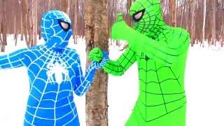 Biệt Đội Siêu Nhân, Người Nhện Xanh, Nữ Nhện Hồng và Venom, Siêu Nhân Ngoài Đời Thực vô cùng hài hướ