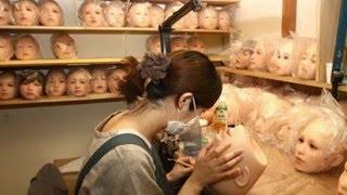 Tin tức 24h tv | Bên trong xưởng chế tạo búp bê đắt nhất thế giới