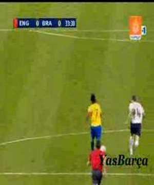 Ronaldinho xâu kim Gerrard đẳng cấp