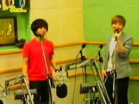 [cut] 110523 Yesung & Eeteuk singing 'Cooking Cooking' @ Kiss The Radio