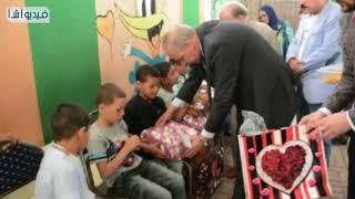 بالفيديو : محافظ القليوبية يزور مؤسسة الأيتام للبنين فى بنها ...