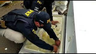 PRF encontra 65 quilos de cocaína dentro de geladeira na BR-386 em Montenegro