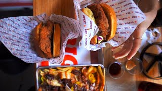 Shaq's BIG CHICKEN (and why it's the BEST chicken sandwich)