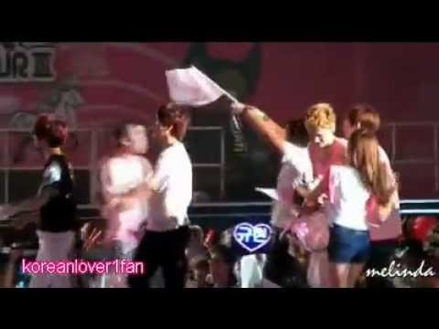 120818 EXO M KRIS&JESSICA ROMANTIC MOMENTS MUST WATCH!!