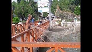 Nghề Chài cá Bán tại chỗ ở Bến Tàu Du lịch Ninh Kiều Cần Thơ ll CS Cần Thơ HG