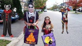 Kids Halloween Trick or Treat for Candy Surprise Toys