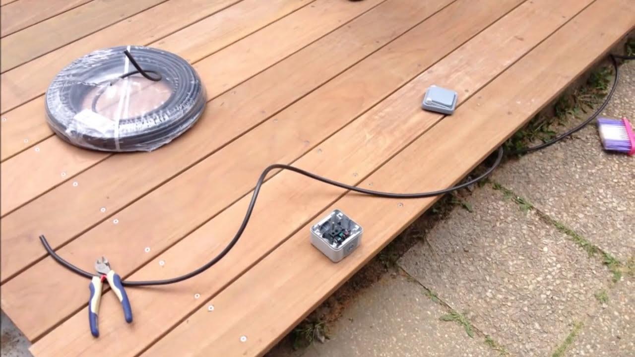 faire une terrasse en bois ip eclairage a led youtube. Black Bedroom Furniture Sets. Home Design Ideas