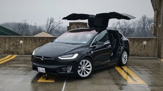 Tesla Model X:  The (Many) Features