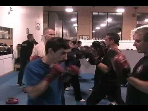 AKKA's Fitness Kickboxing Class Sample: Focus Mit Training