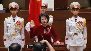 Bà Nguyễn Thị Kim Ngân tuyên thệ nhậm chức Chủ tịch Quốc hội khóa XIV (Tin trong nước)