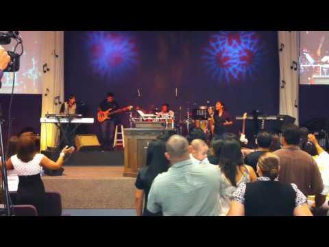 OUR GOD / CHRIS TOMLIN / ESPAÑOL / AINESIS X3