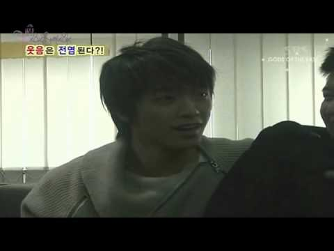 Donghae`s cutest laugh ♥