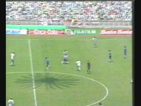22 Юни 1986 - Марадона вкарва за 3 минути 2 гола на Англия