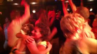Bekijk video 4 van Time2Enjoy op YouTube