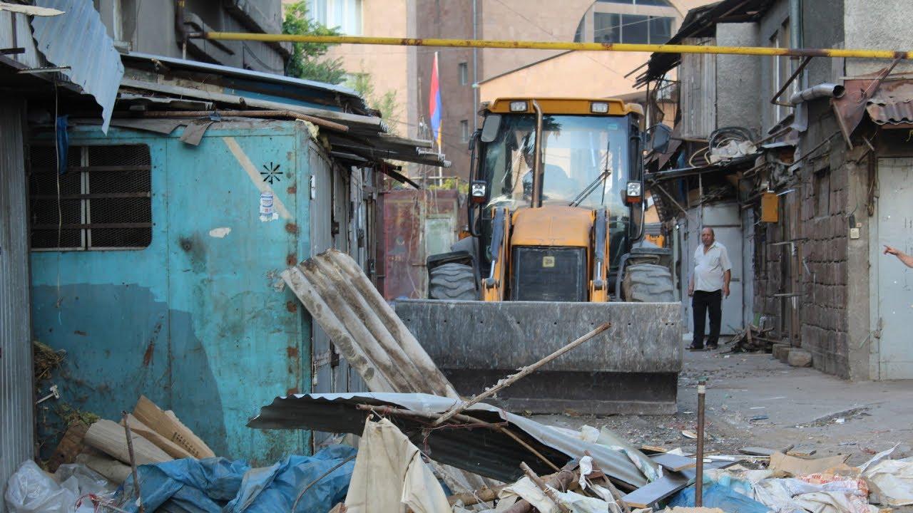 Демонтаж рынка Фирдуси в Ереване