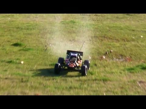 HPI Baja 5b - driving on wet grass