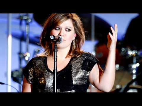 Kelly Clarkson - Love In These Eyes (Lyrics + Download)