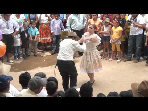 MEJOR PAREJA DE BAILE CRIOLLO_XIV FESTIVAL INTERNACIONAL DEL TOPOCHO