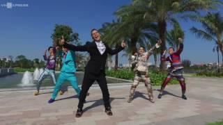 John Huy Trần dựng video nhảy để cầu hôn bạn trai