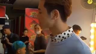 Vì yêu Mà Đến | Lộ clip Soái ca Phí Ngọc Hưng trong phòng thay đồ