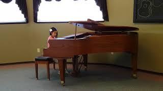 Jasmine play Happy from Pharrell
