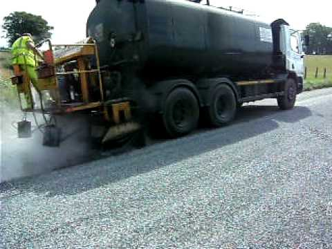 Surface dressing sprayer tanker